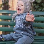 Hoch die Hände Wochenende!!!🙌 Geniesst unsere Aktion: Kostenloser Versand mit dem Code: SEPTEMBER20 Gültig bis am Sonntag den 14.09.2020  #merino #merinowool #wool  #kostenloserversand #aktion #overall #einteiler #overallkids #knitting #qualität #nachhaltigkeit #baby #kind #instaboy #swissmom #mamaleben #onlineshop #onlineshopping #babyboutique #babyshop #madeineurope #herbstkollektion #herbst #neuigkeiten #merinomode