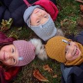 Beste Freunde in besten Accessoires aus Merinowolle😍🐑  Mütze Cormo und Schlauchschal Baweln findest du unter:  www.merinomode.ch  #merinowolle #wolle #wool #lana #laine #merinomode #mütze #wollmütze #schal #wollschal #winteraccessories #wollkleidung #kinder #kinderkleidung #kinderoutfit #nachhaltigkeit #qualität #fashionkids #fashionoutfit #slowfashion #swissmom #onlineboutique #natur #knitting #herbst #herbstmode #smallbusiness #mamaleben