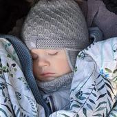 Mütze Fell, Schlauchschal Baweln und Decke aus reiner Merinowolle für ein gemütliches Nickerchen.🌿🐑😍 www.merinomode.ch  #merino #merinowolle #wolle #mütze #lana #laine #kindermode #wollefürkinder #wollefürbabys #dasbestefürkinder #schwangerschaft #slowfashion #nachhaltigkeit #babyausstattung #babydecke #vintagestyle #wolldecke #kind #baby #baby2019 #baby2020 #newbornbaby #neugeborenes  #thermoaktiv #atmungsaktiv #merinomode #swissmom #swissmomlife #mama #instababy