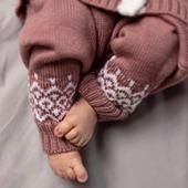 Details💗  Schönen Abend euch😘  #merino #merinowool #wool #wolle #nachhaltigkeit #details #fashionkids #mama #papa #mamaleben #swissmom #swissshop #mamablogger #kind #baby #kindermode #qualität #fashionforkids #neuigkeiten #neuekollektion #neugeborenes #instababy #schwangerschaft #baby2020 #herbstfashion #herbst #mamaundbaby #babygirl #merinomode