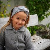 Stirnband Swiss- von aussen aus wunderbar weichem Merinogarn und innen mit hochwertiger Baumwolle gefüttert, zertifiziert mit Oeko - Tex Standard 100.  Nur noch Heute 10% Rabatt auf das gesamte Sortiment. CODE: GEBURTSTAG   #merino #merinowool #wolle #wool #rabattcode #gutschein #stirnband #baby #kind #instagirl #kindermodr #mädchenmama #qualität #nachhaltigkeit #merinomode #herbst #herbstkollektion #herbst2020 #neuigkeiten #mamablogger #knitting #neuekollektion #swissmom #mamaleben #merinomode