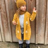 Hose Chias, Mütze Cormo und Schlauchschal Baweln aus reiner Merinowolle 💛  Ich wünsche euch einen schönen Tag ❤  #merinowolle #wolle #wool #lana #laine #merinomode #mütze #wollmütze #schal #baggyhose #frühling #wollkleidung #kinder #instagirl #kinderkleidung #kinderoutfit #winter #fashionkids #fashionoutfit #slowfashion #swissmom #onlineshop #natur #knitting #slowfashion #instamami #kind
